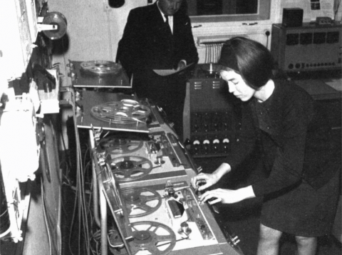 "Delia Derbyshire editing on the Phillips 1/4"". Photo from Keith Brook"