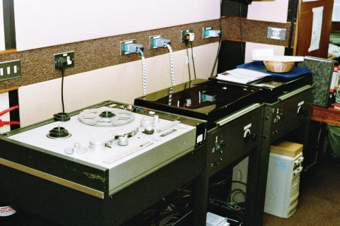 2 x Widebody EMT 950 turntables